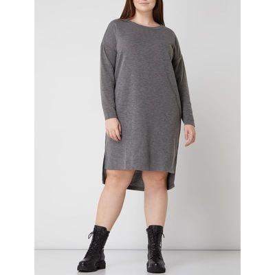 Vero Moda Curve Sukienka PLUS SIZE z obniżonymi ramionami model 'Amainarco'