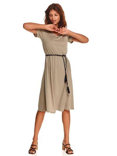 Dzianinowa sukienka z wiązaniem
