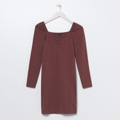Sukienka mini z dekoltem typu caro - Czerwony